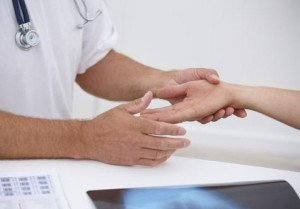 Боли и онемение пальцев